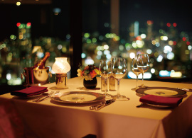 大阪gardenのサプライズプロポーズ ホテルオークラ神戸 レストランエメラルド