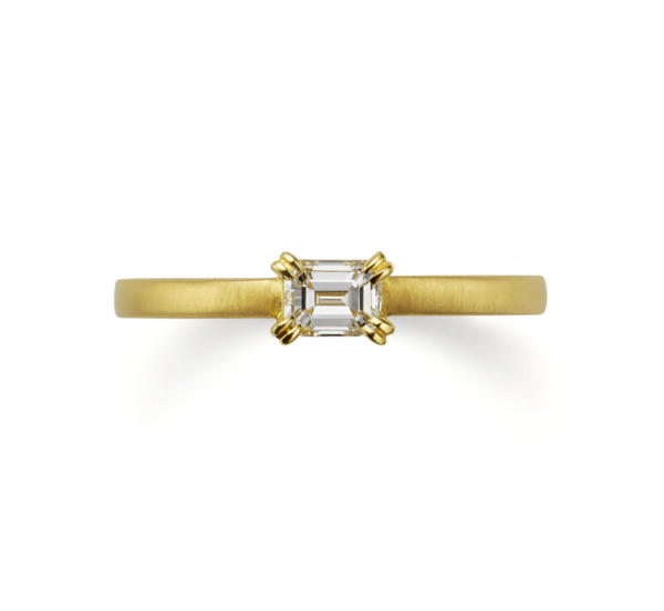 オレッキオのAE1302婚約指輪のゴールドで大阪岸和田市の正規取扱店
