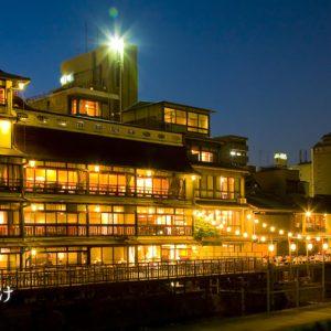 大阪gardenのサプライズプロポーズ FUNATSURU KYOTO KAMOGAWA RESORT