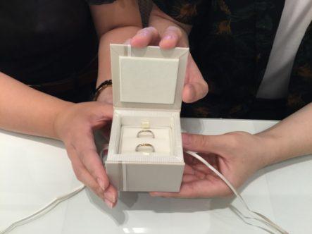 ガーデンオリジナルの婚約指輪とアムールアミュレットの結婚指輪