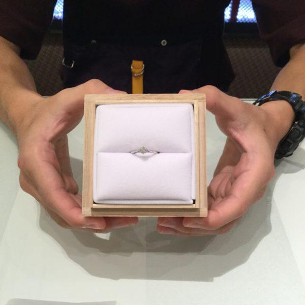 ミルクアンドストロベリーとアイデアルのご婚約指輪をご成約頂きました。(泉大津市)